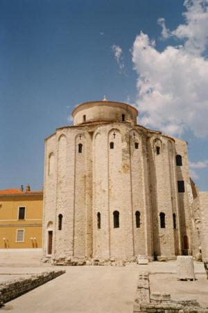 Црква Византијског стила у Задру